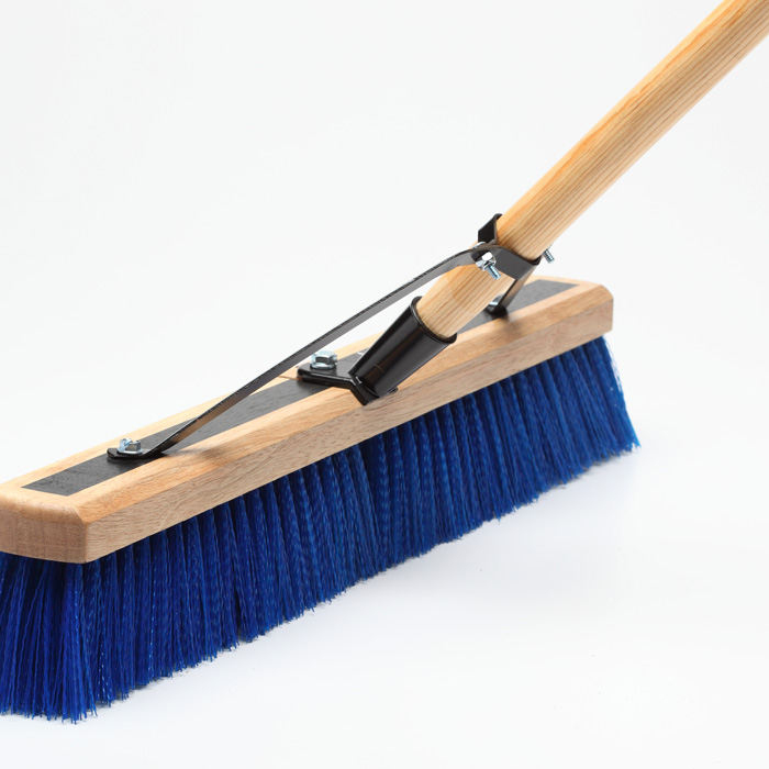 Broom / Push