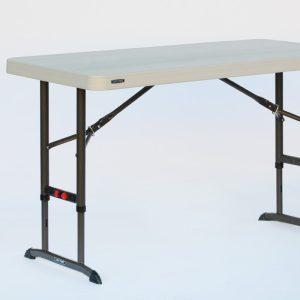 Folding Table / 4'